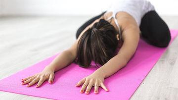 8 poziţii de Yoga benefice în calmarea durerilor de spate