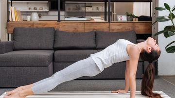 5 exercitii fizice pe care le poti face oriunde
