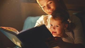 De ce sa spunem povesti copiilor? 5 beneficii pentru dezvoltarea emotionala a celor mici