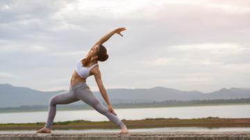 Yoga și sistemul limfatic: cum contribuie yoga la sănătatea sistemului limfatic