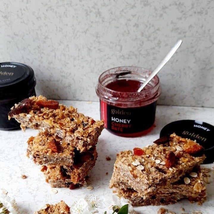 reteta batoane energizante cu miere cu cirese Cherry Date